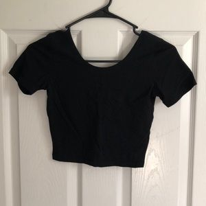 Junior's Cropped Tee in Black, size Small